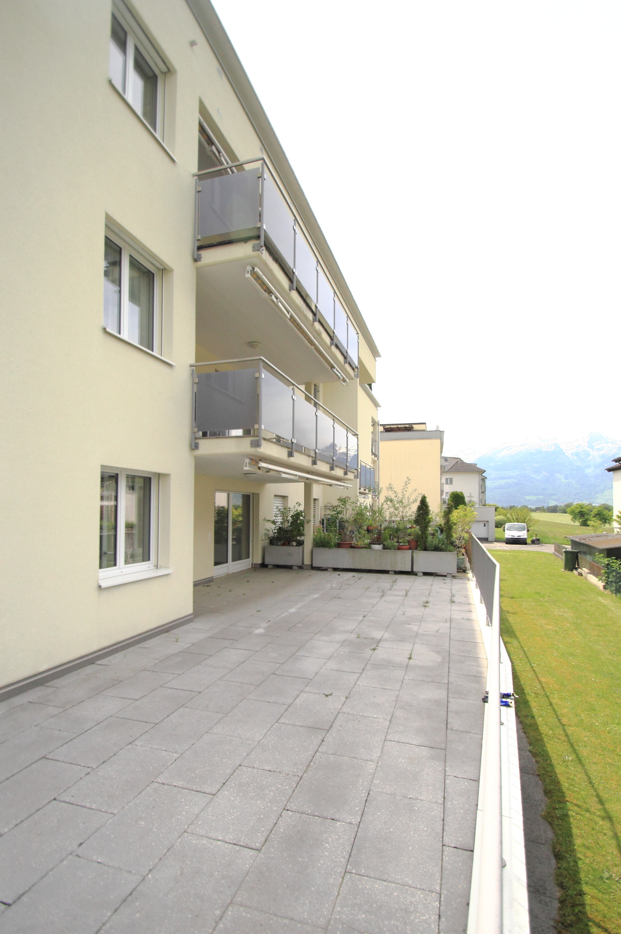 3,5 Zimmerwohnung mit grosszügiger Terrasse | gepflegte Liegenschaft | Eschen