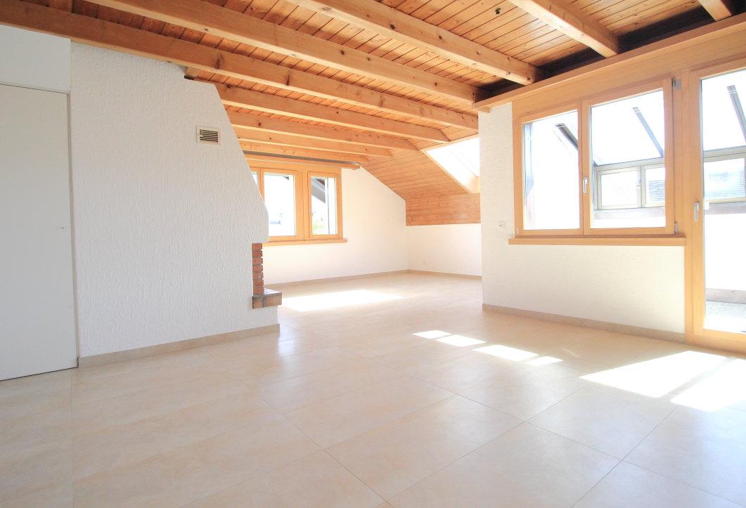 5,5 Zimmer Maisonettewohnung | Cheminée & Wintergarten | Mauren