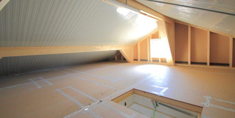 Dachboden Eckreihenhaus Mauren