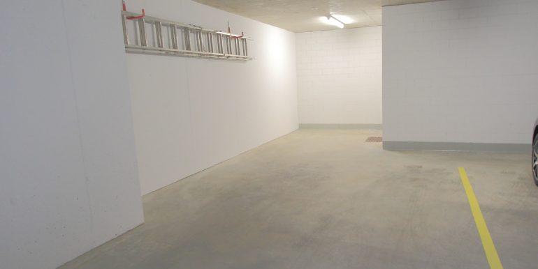 Garage Eckreihenhaus Mauren