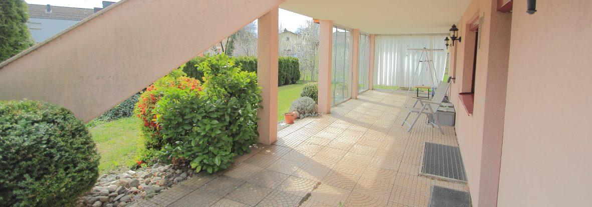 Gemütliche 2,5 Zimmerwohnung mit grosser Terrasse | ruhig und zentral | Eschen
