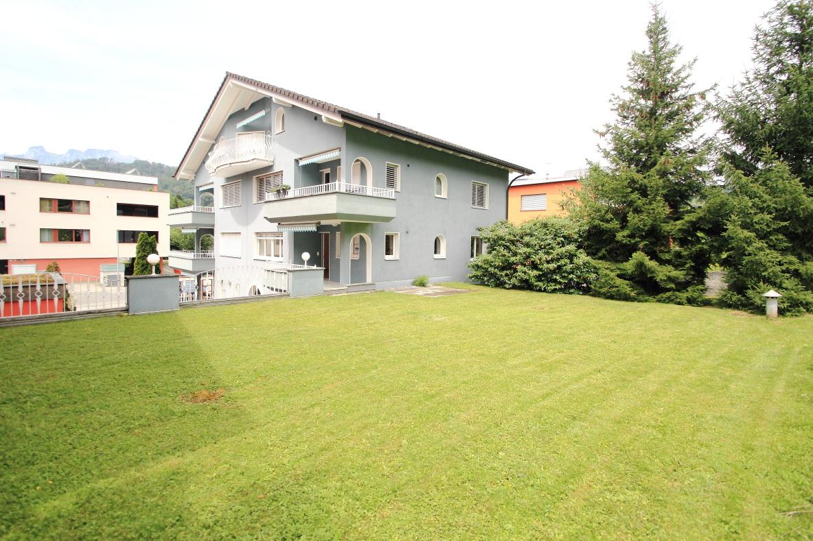 Preiswerte 3,5 Zimmerwohnung mit Grünfläche   ruhige Lage   Mauren